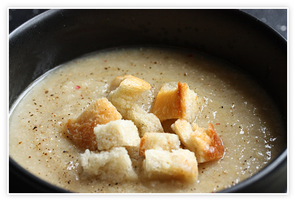 Cauliflower Apple Soup with Thyme Croutons