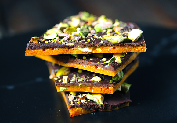 Dark Chocolate Pistachio Brittle | SoupAddict.com