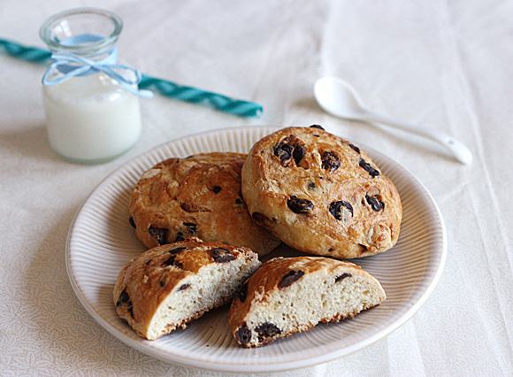 Chocolate Chip Brioche Rolls 1