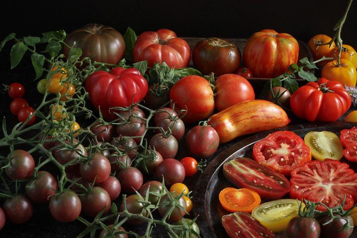 tomatoes tomatoes tomatoes black cherry tomato sauce. Black Bedroom Furniture Sets. Home Design Ideas