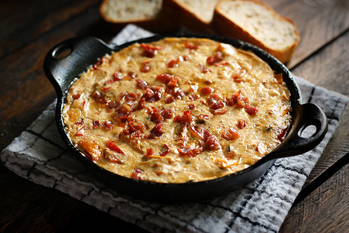 creamy roasted tomato and red pepper dip 4