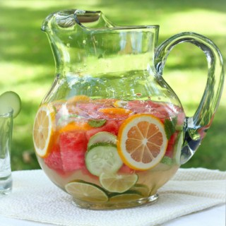 Refreshing, Nourishing Homemade Vitamin Water