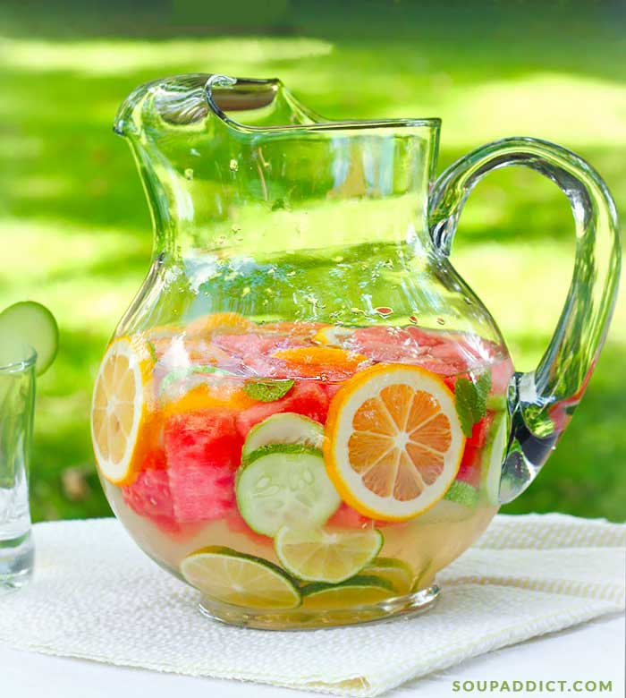 Refreshing DIY Vitamin Water | SoupAddict.com