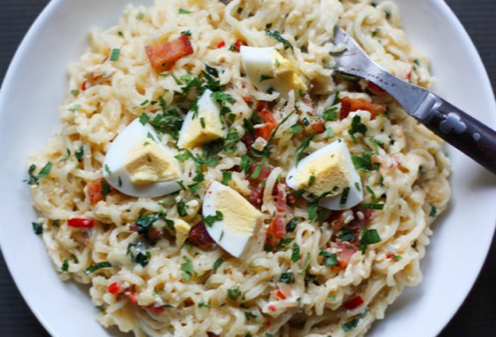 Cheesy Bacon and Egg Ramen Noodle Bowl | SoupAddict.com