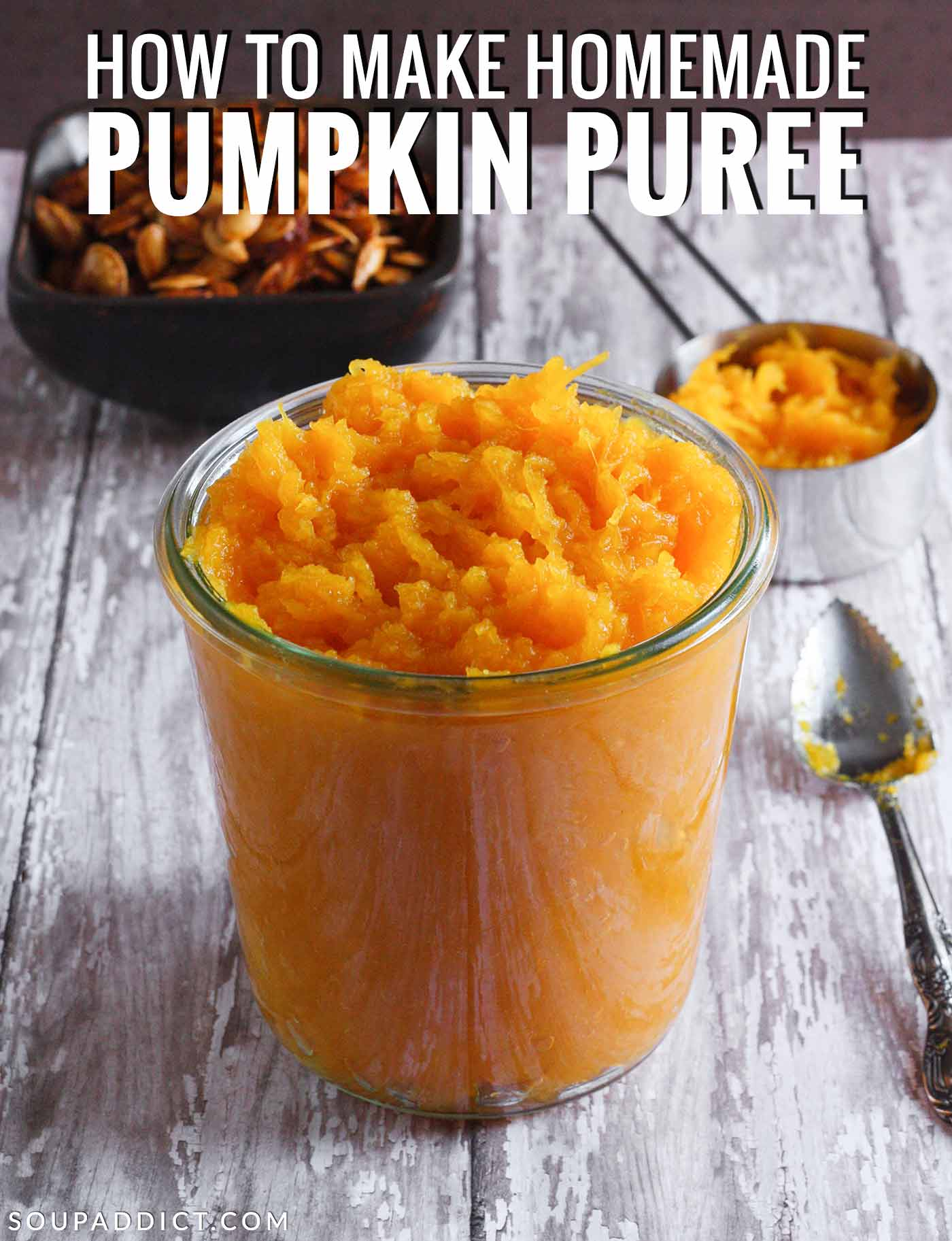 How to make pumpkin puree - Recipe at SoupAddict.com | #pumpkinpuree #homemade